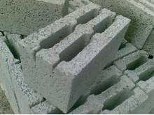 Стеновые перегородочные блоки – отличное решение для жилых и промышленных построек