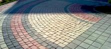 Сучасна класика - тротуарна плитка «моноліт» і «царське село»